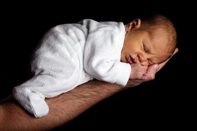niemowlę nie chce spać